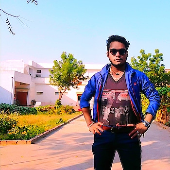 Updated their profile picture #landlords #fashionweek #be-fashionable #fashionblogger #roposo-star #classic boi ! #handsome #luxurylifestyle #fanslove #coolguy #laxmansherpa18 #smartlook #killar_looks  #happieness #jaipurblogger