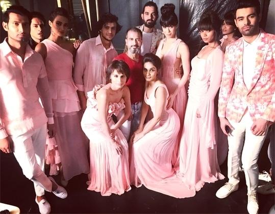 Soft peAchy pink resort wear collection  #asifmerchant #asifmerchantdesigns #asifmerchantofficial #hautecouture #designer #fashionshow #fashionables #in fashion 💖 #fashion blogging #fashion week       #fashion show #fashionshow #stylishclothes #resortwear #model @nayaan @harrysuch @spatika @reenabarot @varshaghanshani