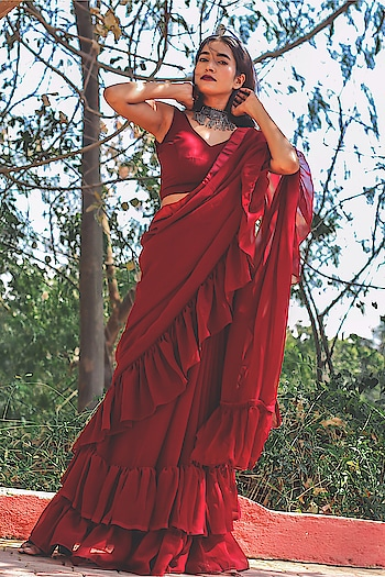 All Ruffles I love the way this looks Isn't the colour Pretty ?  Saree @myntra @colorsatmyntra  #myntra