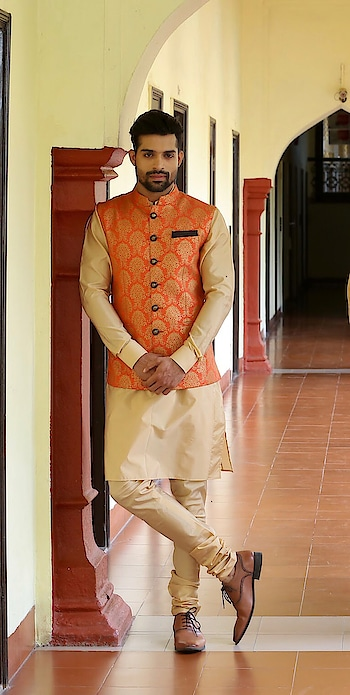 Traditional 🕺🏻 . . . . . .  #gentleman #traditionalwear #festivalfashion #suitup #suitstyle #accessories #brandshoot #fitnesspro #leangain #RubaruGroup #RubaruMisterIndia2018 #MrIndia2018 #MrIndia  #RubaruMisterIndiaNationalUniverse2018 #MisterNationalUniverseIndia2018  #mnu2018 #internationalpageant #fashionmagazine #mensfashion #menstyle #style #Fashion #Fitness #fitnessmodel #fashionmodel #modelling  #fashionphotography #magazine #fashionista #farhanqureshi @misternationaluniverse @rubarumisterindia