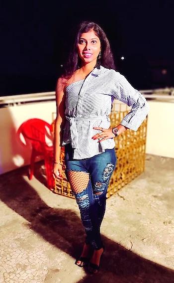 Happy 2019 #footwear-myntra #H&M top #missamoreclothing jeans make up #lakmeindia #roposo #mumbai #times  #mumbaiblogger