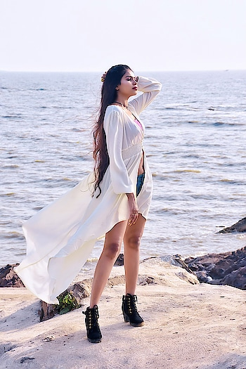 In real life, a lot of people at that level will have their kimonos made especially for them. 🥰   Thanks @shein_in @sheinofficial for sending across this beautiful shirred waist semi sheer dip hem kimono 💓   Search ID : 666946 Link. : https://bit.ly/2ImEymF  Use my code 'DevkiQ2' to get ₹200 off orders over ₹2000 when you use it!  The coupon code is valid from April 1st, 2019 to June 30th, 2019 as till my birthday🥳🥰 _  #devkidhuria #thesnazzydiva #sheinofficial #sheinindia #sheininspo #sheingals #shein #kimono #kimonostyle #beachstyle #sheinfluencer #plixxoinfluencer #galleri5influenstar #instabeauty #clothingbrands #goodfabric #instalove #instastyle #instafashion #picoftheday #outfitoftheday #roposo #roposolove #soroposolove #roposocool #roposolook #roposolike #soroposofashion