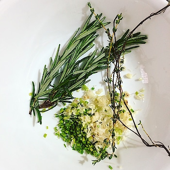 Fresh ingredients are always my favourite! Here are some I used for the grilled chicken marinade. #prep #rosemary #thyme #greengarlic #marinade #ingredients #grilledchicken #homemade #cooking #foodie #eatfresh #bonapetit #recipes #foodphotography #herbs #foodlover #foodblogger #ropo-love #roposo-good #roposofood #roposoblogger #soroposoblogger #soroposodaily #soroposogood #roposo-food