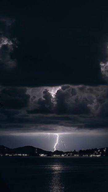 ohhh thunderbeast..😱😱 photography.. dangerous.. #photography #photowall #photo-shoto #photo #pic #roposo-pic #best #unique #uniquestyle #bestpic #photographers_of_india #photographic #thunder #electric #nature #dangerous______ #risk #killer #harmful #death #universe #unbeatable #beatit #unbreakable #unbelievable