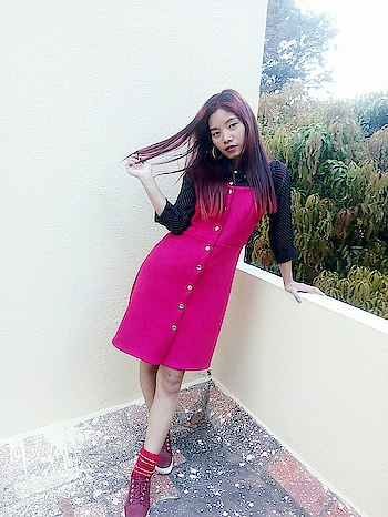 Feeling red from head to toe 😂 #rosered #red #velvetdress  #blackshirt #socks #stripes #redsocks #shoes #platformshoes #redshoe #redhair #picoftheday #roposo #earrings