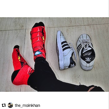 #Repost @the_moinkhan (@get_repost) ・・・ Are you Fan of the @avengers series just like me ?  So Get This Super Trendy (Avergers Infinity War) Collection Socks From @supersox_india  #avengersinfinitywar  #theavengers #menfashionblogger #menfashionstyle #mensfashion #summer #menfashionpost #fashionblogger #indianfashionblogger #mumbaiblogger #indianblogger #bloggerofindia #productblogger #fashionenthusiast #plixxoblogger #galleri5influenstar #shoponline  #brandinfluencer #bangalore #pune #delhi #ahmedabad #mumbai #digitalinfluencer