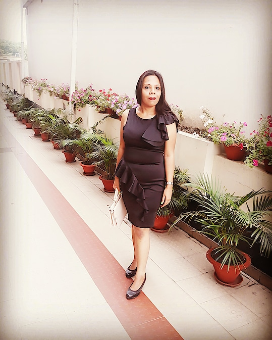 """MY LOVE FOR """"LBD""""... FOR A LUNCH DATE WITH MY FRIENDS I DECIDED TO WEAR THIS """"BLACK RUFFLE BONDED TEXTURE BODY CONSCIOUS DRESS"""" FROM www.cilory.com . . . . #fashion #blogger #fashionblogger #roposoblogger #indianblogger #roposodiaries #bloggerdiaries #fashiondiaries #bloggerbabe #bloggerstyle #bloggerlife #roposolove #roposostyle"""