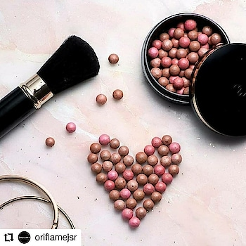 #Repost @oriflamejsr • • • Bronze up your face with Giordani Gold Bronzing Pearls and transform into a sun kissed beauty this summer! Get one now! __________________________________ #oriflamejsr #bronze #oriflamejsr