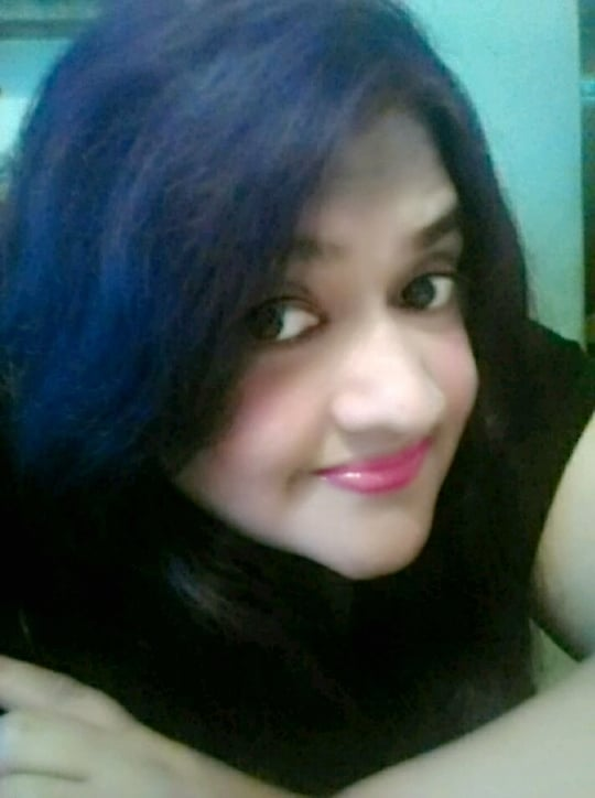 #roposotalenthunt ..Dil bharta nahi.....Aankhein rajjti nhi....Chahe kitna bhi dekhti jaaun...Waqt jaaye mein rok na paaun...Tu thodi der aur thehar ja sohneya....Tu thodi dher aur thehar ja....Stay a little longer with me..❤😘😘