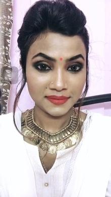 #indianwedings #indian fashion #ethnic-wear #desigirl #white #woman-fashion #fashion_jewellery #indowesternlook #designer-wear #roposogal #roposo-makeupandfashiondiaries
