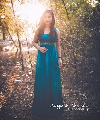 SUNDAY BLOG - http://www.thevogueaholic.com/2017/02/royalty-in-woods.html?m=1 💙  #delhiblogger #fashion #shoot #roposoblogger #blue #vasudhadembla #thevogueaholic