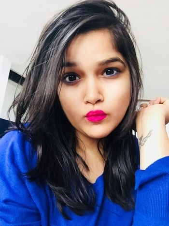 The Quirky Wednesday look 💋 created using:  @mynykaa Glamoreyes Eye Pencil- Blue Hex  @nyxcosmetics_in Highlight and contour pro palette  @nickaknewyork trie matte lip color- Jazzberry Jam   #wednesday #makeuplover #makeupartist #makeuptutorials #makeuplife #lipsticklover #lipstickmatte #lipstickjunkie #nickakcosmetics #mattelipstick #contour #contouringandhighlighting #contourtutorial #contouring #highlighter #bluehex #blueeyes #blueliner #eyeliner #blueliner #bloggermakeup #blogmakeupmania #makeupmania #instafollowers