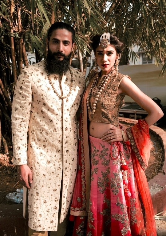 Summer colors out for Libas - grooms in gold , brides in pink n peach , look decked up by #Gangjijewels #redandpinkbride #maagtikka #kundanjewellery #reshmariyazgangji #libasreshmariyaz #libasriyazgangji