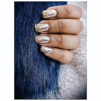 Nails without a little sparkle ✨ Is like a cake without frosting 😉 . . . . Listen up ladies, there's a new manicure in town and just in case you hadn't heard the news, it's these chrome nail/ mirror nails💅💅After the beautiful mattes we've been enjoying for a while, it's time to kick things up a gear in time for the summer 💖 Chrome nails are having a moment right now, and if you're thinking about giving high-shine nails a go, you must know what to binge on 💅 . . . . . . . . . . . . . . . . . #potd #nailsofinstagram #nailporn #nailsonpoint #mirrornails #chromenails #metallicxglitter #nailsaddict #besttime #styledotme #roposo #styleinfluencer #styleinspo #blogger #fashionblogger #indianfashionblogger #indianinfluencer #nails2inspire #inspiration #slayer #wedmegood #weddingsutra #instastyle #instagood #nalisalon #thecoruscotimes