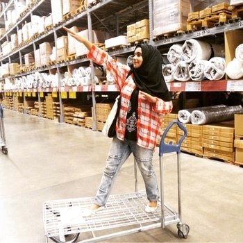 Going crazy vlogging at Ikea 💞💦✨