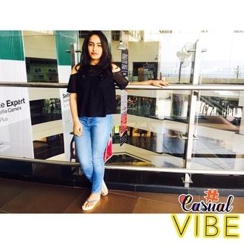 Casual Vibe ❤️  #love #stylecheckin #fashiondaily #curvywomen  #fashionbloggerindia #indianfashionblogger #indianblogger #ootd #travel #traveldiaries #picoftheday #explore #style #lookyourbest #roposostickers #delhi #dailyfashion #blogger #roposo #soroposogirl #roposofashion #roposoblogger #selfie #weekend #explore #curvywomen #roposoblogger #followme #fashiondaily #blogger #picoftheday #style #fashionbloggerindia #streetstyle #pose #roposodaily #travelling #wanderer #travelinstyle #travelinstyle #goodhairday #weekend #weekendoutfit #fun #weekendoutfit #wanderlust #lookoftheday #casualvibe