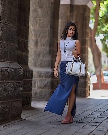 Escape the ordinary 👗 . . . . . . #fashionista #fashionblogger #socialmediainfluencer #fashiondiaries #indianblogger #bloggerstyle #styleblog #styleguide #styleblogger #stylist #stylegram #instagood #instafashion #suave #classy #ootd #fashionpost #instafashion #ropofashion #h&m #stalkbuylove #lifesyle #forever21 #chamborgeneva #streetstyle #fashionphotography #nikonphotography #mumbai #svstylefile #stylefile