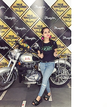 I Choose To Wander Often Wonder Always 🌍✈️ From thousands of true wanderer entries,top 25 contestants got selected to go on a 5 day journey to exciting places of their choice.😍 It was an amazing experience today talking to allof you them personally. 😊  Had a lot of their at the event, also I absolutely love the collection of @wranglerdenims in C.P. 🤩 _______________________________________________________ #wranglerXkissmyfashion #wranglerdenims #wranglerindia #truewanderer #live2wander #wrangler #fashionista #fashionblogger #delhimng #thebnbmag #sdmdaily #Plixxo #popxodaily #wanderer #travelblogger #KMF #hemlatayadav  #kissmyfashion 💋