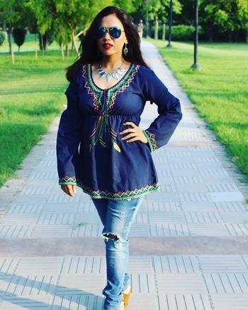 Stay  ↕️ Shady 😎 . . #bespokegrub #indianblogger #lucknowblogger #fashionblogger #miwayfashion  #streetstyle