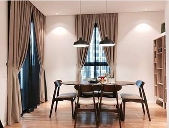 Minimalistic interior setting! #interiors #luxurysetting #luxuryliving #luxuryhomes #homedecor #minimalistic #minimalism #himeinteriors #uberluxury #topnotch