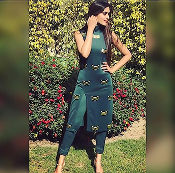 #staytunned with @saira7795  OWNER - @rawking_rubss  Stylish wear kurti with use of trending fashion #nalkiwork simple front side cut #kurti with #fitted #pant 🎀 Can b customized🤗 Dm for orders📥 #saira #kurti #trendingnow #stylish #design #designerwear #new #unique #kurtilover #fashion #fashiondesigner #fashionblogger #fashionist #fashionpost #girls #women #womenfashion #dailywear #shoppingonline #sairacouture #ordernow🤗 #dmfororders📥
