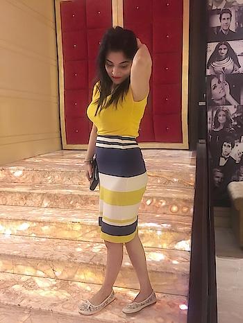 #yellowdresscolorfulldress#globus#lofers#uscinems#stree#funloving#happymood