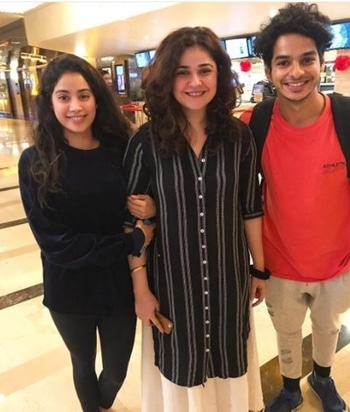 Jhanvi Kapoor and Ishaan Khatter were spotted with actress Meher Vij. Credit-pinkvilla . . . . . . #bollywood #celebritystylist #celebritykids #celebrities #celebritylife