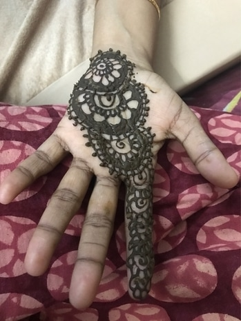 #mehandi by me simple mehendi design on my fav person hand