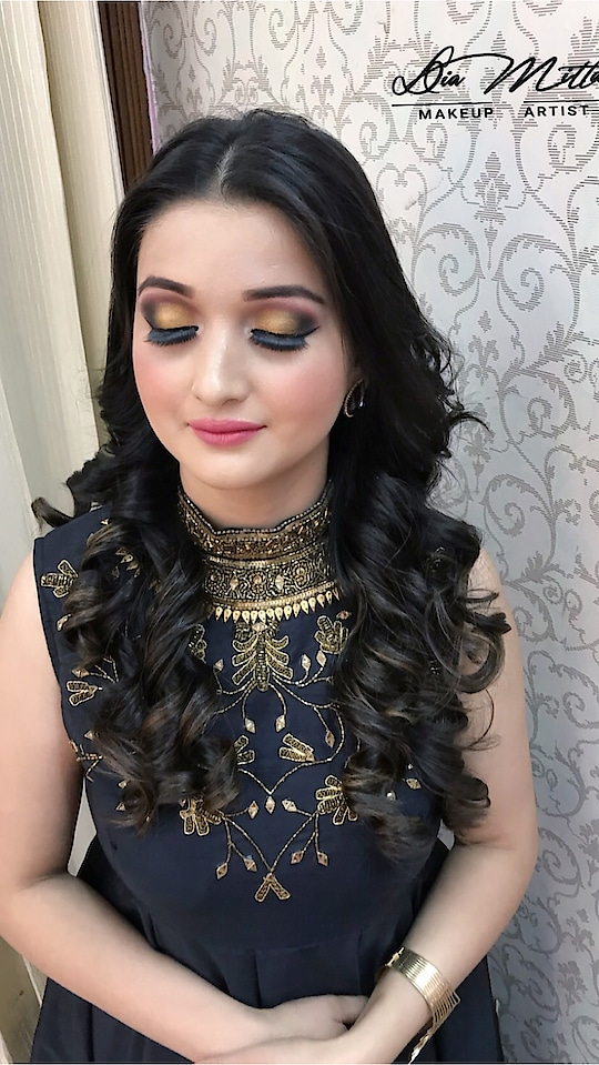 Happyclients 😊#makeuplovers #mua #ilovemakeup #bride #makeup #makeupartist #makeuptransformation #beforeafter #chandigarh #anastasiabeverlyhills #undiscovered_muas #motd #kyliecosmetics #motd #makeuptutorial #makeupaddict  #muaworldwide #bridesofindia #weddingseason #weddingmakeup #indianwedding #glitter #beauty  #instahub #follows #fashion #diamittal #diamittalmakeupartist #diamittalmakeovers  #sabyasachi @weddingsutra @wedeilicious @wedmegood @indian__wedding @theweddingbrigade @indianstreetfashion @indianweddingsmag @weddingnet @theweddingchamber @bridalasia @bridalaffairind @shaadisaga  MAKEUP: @diamittalmakeovers
