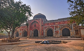 Built in 1528, the #JamaliKamali mosque in #Mehrauli. PC: Mukul Banerjee, Flickr #heritage #wow #amazing #travel #travelbug #instatravel #wanderlust #see #gameoftones #incredibleindia #photography #photooftheday #india #Delhi