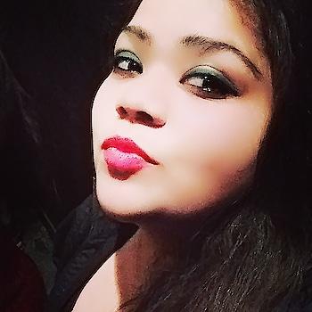 The perfect pout #hercreativepalace #kanikasharma #blogger #delhi #india #event #throwback #pout #hcpkanika #makeup #selfie #delhiblogger #bold