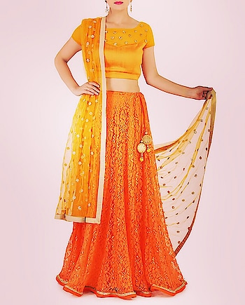 50% off Monikaa's Aura | Use code: 50OFF Featuring an #orange #floral net lehenga with a textured blouse & dupatta: https://www.indiancultr.com/designers/monikaa-s-aura?trk=hmpg-slider #love #beautiful #India #IncredibleIndia #wow #amazing #artisan #instagood #want #neednow #inspiration #Indian #traditional #makeinindia #instalove #instalike #photooftheday #webstagram #follow #repost #shoponline #apparel #discount #sale