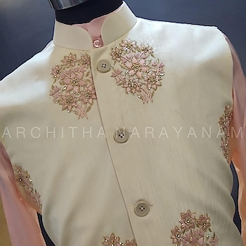 ~ROYAL RETREAT~ Classic Sherwanis For all the to be grooms!! #archithanarayanamofficial #bridalwear #bridalcouture #menswear #sherwanis #royalretreat #embellished #classic #offwhite #peach #gold #detailtheraphy #indiandesigner #tobegroom #wedding #reception #sangeet