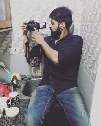 Shooting time... When you take shots on wierd angle... #shootings #shootmode #youtuber #youtubechannel #actor #acting #director #beard #bearded-men #beard-model #life #passion #dream #motivation #livingthedream #delhi