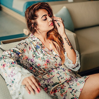 My Sunday z definitely better than yours 😍😍 . . #soroposolove #roposogal #roposofashionblogger #fashionbloggerdelhi #fashionbloggerindia #classifiedbird
