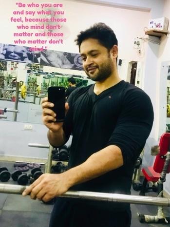 #fitnessfreak #fitnessmotivation #fitnessblogger #fitness #gym #gymwear #gymselfie #gymfreak #gymphoto #delhi #delhi-ncr #delhiboy #delhiguy #karantiwarisnap #karantiwariofficial