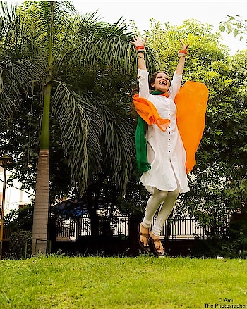 What IS Freedom To You?  For me Freedom is when you are able to live just the way you wish to. 🇮🇳 HAPPY 72nd INDEPENDENCE DAY! 🇮🇳 Amazing Photography By- @ami_the_photographer 📸 ______________________________________________________ #india #independenceday #indianindependenceday #tribute #salute #happyindependenceday #hid #happy72ndindependenceday #72nd #proud #indian #lifestyleblogger #fashionblogger #mymagicpindelhi #bekindnbefree #proudindian #KMF #hemlatayadav #kissmyfashion 💋