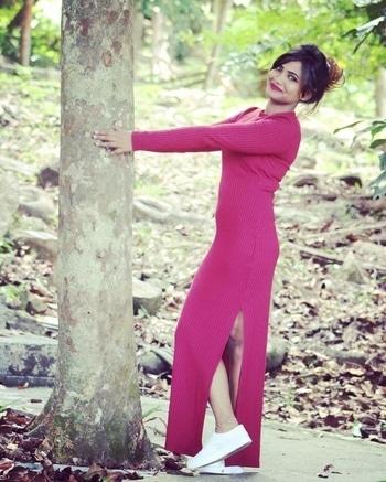 #summer-style #summerfashion #malaysiatrip #malaysiadiaries #travelphotography #longdress #sneakers #posing #fashion-diva #new-style #ropo-style #fashionblogger