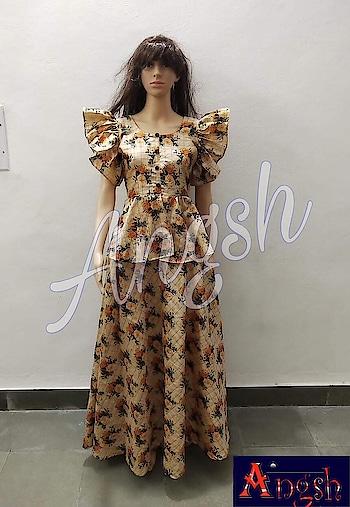 #skirt #peplum #unbrellafrillsleeves #silkbase #printed #zarichecks #differentlook #angsh #jaipur #designer #trending Dm to order😊