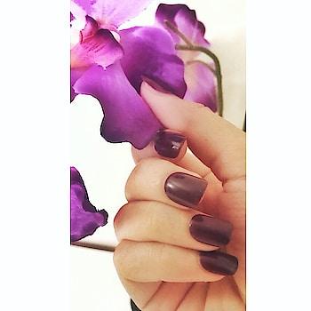 #nailfie 💕  . . . . . #gelnails #gelmanicure #browngelpolish #manicurewednesday #instagramnails #indianyoutuber #beautblogger #fashionandlifestyleblogger #beautyandmakeuptips #makeuplover #nailsofinstagram #nailsonfleek #nailcare