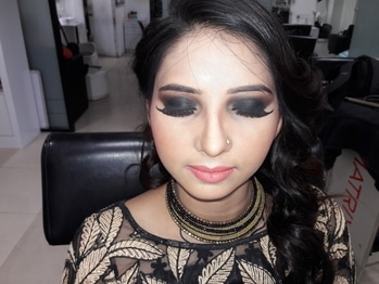 #makeupgoals #mua #muadelhi #muadelhincr #partylook #smokyeyes #smokeyeyemakeup #smokey-eyes #bridal #bridalmakeupartist  https://www.facebook.com/Makeovers-By-Sabanjali-473792759622369/