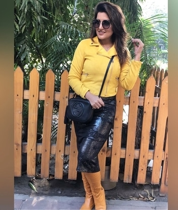 My romantic yellow!!!!! ▪️▫️▪️▫️▪️▫️▪️▫️▪️▫️ Follow @muadeeptigaba ▪️▫️▪️▫️▪️▫️▪️▫️▪️▫️ #delhiblogger #beautyblogger #indianblogger #styleblogger #delhigirl #makeupartist #2017look #2017goals #casualstyle #casualoutfit #beautybloggerindia #girlpower #bloggermom #freethought #independentwoman