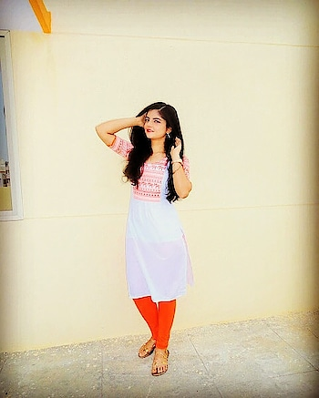 happy republic day friends.... #orange #loveforindia  #indian #republicday2018 #youtuber #youtubecreators #youtuberindian #monikasingh #herstylejournal #herstyingjournal #blogger  #roposogal