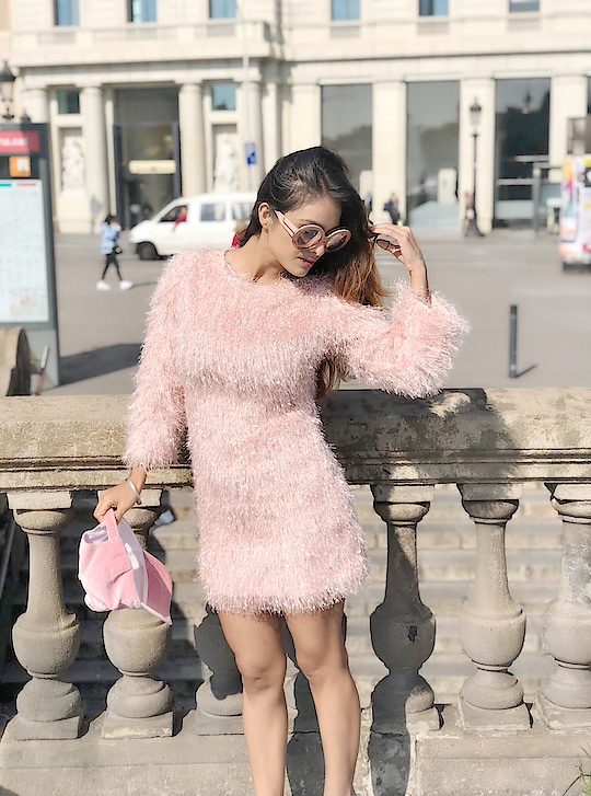 Happy Happy Last day at Barcelona 😍😍 : #barcelonawithnehamalik #cathalonia #barcelonastreets #barcelonagram #barcelonacity #barcelona #spain #beautiful #placetobe #wintervacation #winterfashion #winterstyle #nehamalik #model #actor #blogger #instalike #instagood