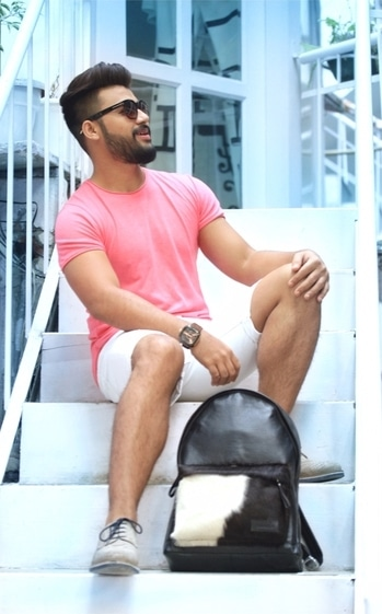 MY SUMMER 🏖🌞 STYLE #ADWcontest  Summer fashion has to be comfortable, light colors and soft fabric does really well in heat!   You look trendy and fresh always! Let me know what you think about this 👀 #look  _________________________  #adw2017 #summer-style #summers #lookbook #lookbooklike #pink #white #coolcolours #beattheheat #amazon #myntra #asian #fashionweek #fashionblogger #roposoblogger #menblogger #menbloggerindia  #summerstyle