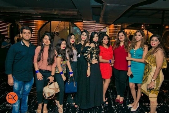Saturday nights can't be better than this ❤️ BLOGGERS meet with @sixthempirica and @la.panache   And I would also like to share with you another  wonderful brand @glittery_fashionista which has all imported watches , clothes , shoes etc  Checkout their collection for more❤️ . . . . #fashion #beauty #fashionstyle  #outfit #lookbook #model  #love #shooting  #getvoguehere  #ootd #makeup  #pictures #shoot  #accessories #style #delhiblogger #loveblogging #2017 #summer  #saloni #ahuja #  #blogger #newblogpost #bloggerslife #likeforlike  #follow #newtrends #pikreview #fashiondesigner