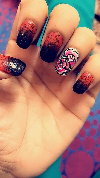 #nailartdesigns #nailartaddicts #lovenails #ombrenails #redandblack #lookgoodfeelgood #roposotalenthunt