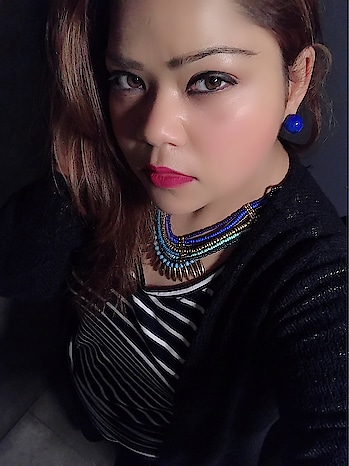 Be bold 💄in everything you do... coz it's something you chose and wanted to do... there's no need to please the world.. #hercreativepalace #kanikasharma #hcpkanika #blogger #delhi #india #fashion #makeup #bold #bebold #clicked #poser #boldness #black #white #accessories #redlips #makeupon #follow #instafashion #instalike #instafollow #instadaily