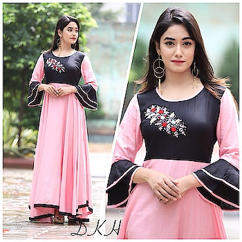 *Reyon slub gown with adda hand work aari and jardoji*  Length 54,flair 6 meters  38 to 44 sizes available  Rate 1550 For more information inbox msg  #kurt  #kurtys  #light-kurti  #wedding-suits-designer  #suit
