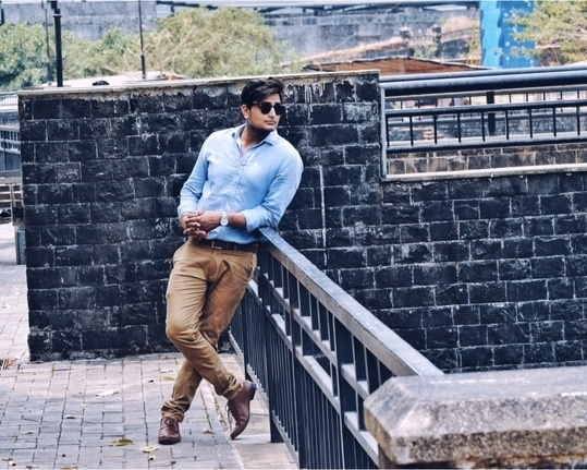 Just loving the idea when all international bloggers and fashion models wearing sky blue shirt on formal wear constantly. So posing a pic of mine in my fav koovs man shirt.  #bloggeracademy #assignment4 • • #menonroposo #soroposo #hashtaggameon #shoes #stylemattersbro #instablog #puneblogger #indianfashionblogger #menswear   #swag #mood #menwithstyle #mensfashionpost #style #menwithclass #mensfashiontips #mensweardaily #guywithstyle #dapper #aselfieaday  #mensfashion #fashionblogger #womenwear #menswearblogger #bloggers #fashion #lookoftheday #styleblog #photoshoot #mensfashionblogger #fashionbloggers #styleblogger #trendy #fashionista #firstpost #formalwear